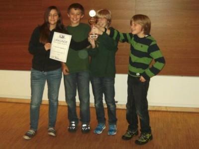 1. Platz: SC Bavaria Regennsburg 1881 Ivon links: Marie und Cédric Oberhofer, Georg Dechant, Elias Brüll