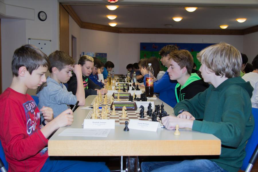 5. Runde U14: Dominik gegen GeorgBrett 2: Elias gegen Tobias Brett 3: Felix gegen Simon