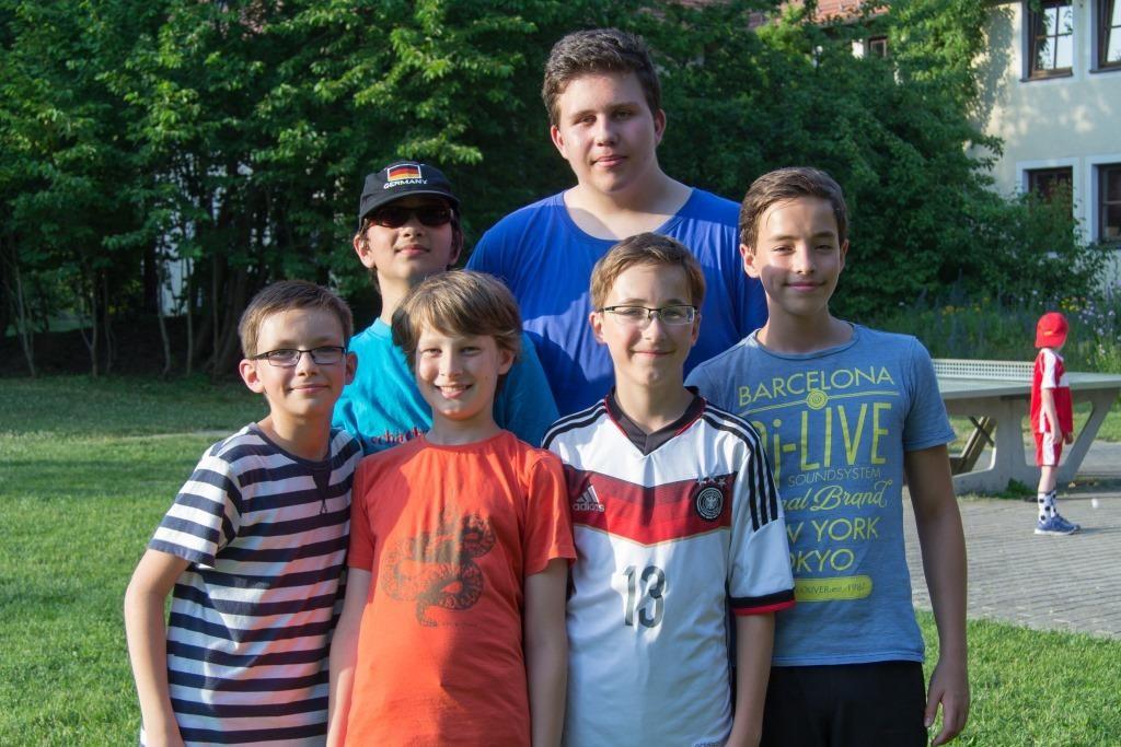 Scheiterhaufengang von links: Adam Breuer, Manuel Berendes, Timo Mandl, Tobias Brunner ©, Fabian Huber, Marius Glaser